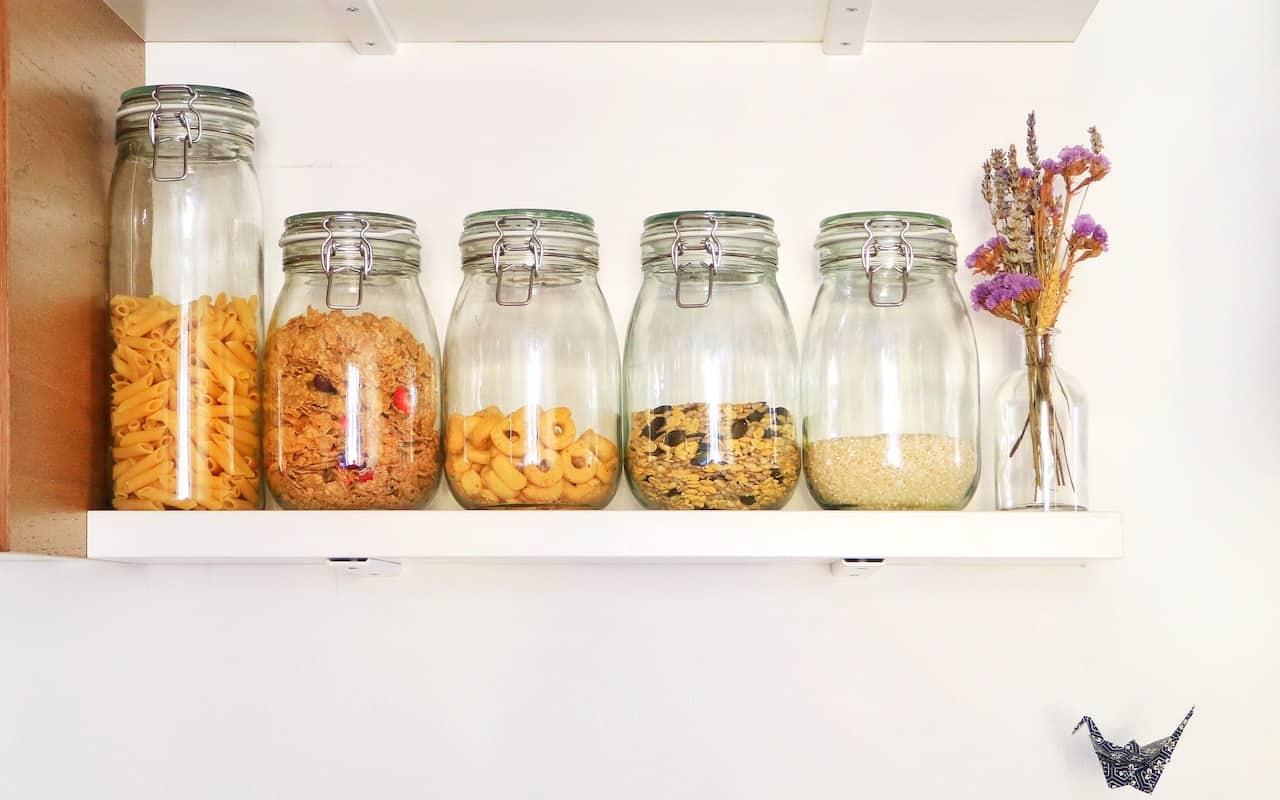 Come organizzare lo spazio in cucina e dispensa con i contenitori di ...